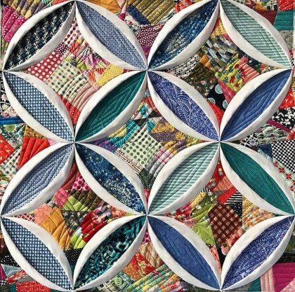 カテドラルウィンドウキルトCathedral Window Quilt ノートルダム Notre dame Cathedrale