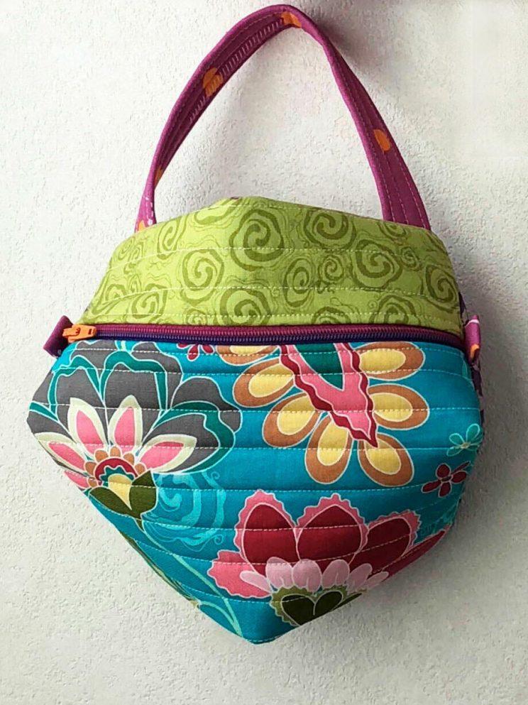 TASCHE MANTA ビスコーニュのポーチ biscornu ビスコーニュ Biscornu purse  Biscornu zippered purse
