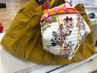 ビスコーニュ型ポーチBiscornu purseポーチビスコーニュのポーチおてだまポーチ Nakazawa Felisa 中沢フエリーサ Biscornu zippered purse